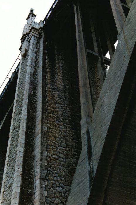 La imagen tiene un atributo ALT vacío; su nombre de archivo es 14-2v-464x700.jpg